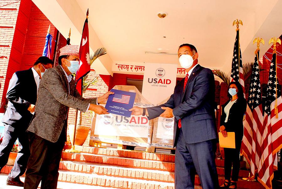 नेपाल–बंगलादेश मैत्रीपूर्ण फुटवलमा नवयुग श्रेष्ठ एक्ला फरवार्ड (लाईभ)